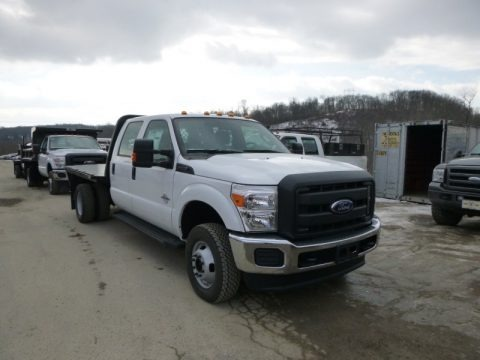 Oxford White 2015 Ford F350 Super Duty XL Crew Cab 4x4 Chassis