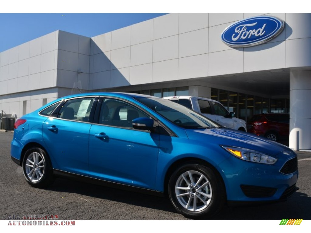 2015 Ford Focus Se Sedan In Blue Candy Metallic 214708