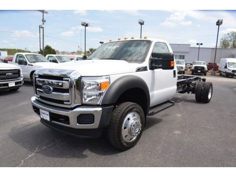 Oxford White 2015 Ford F550 Super Duty XLT Regular Cab Chassis