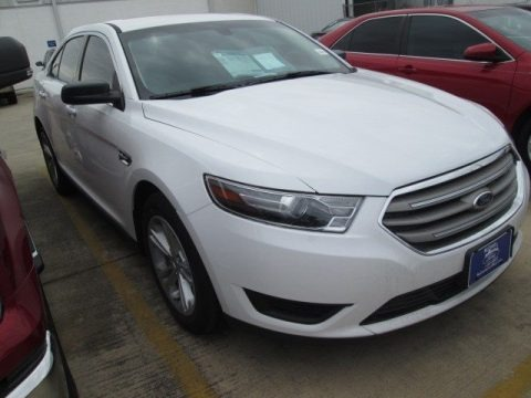 Oxford White 2015 Ford Taurus SE