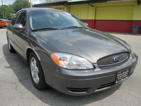Dark Shadow Grey Metallic 2004 Ford Taurus SE Sedan