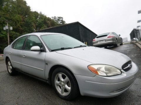 Silver Frost Metallic 2003 Ford Taurus SES