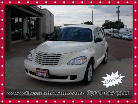 Cool Vanilla White 2007 Chrysler PT Cruiser Touring