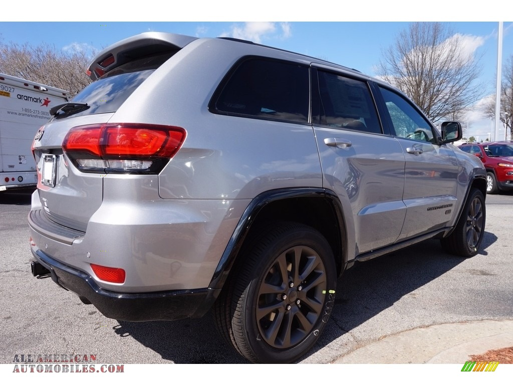 2016 jeep grand cherokee limited 75th anniversary edition in billet silver metallic photo 3. Black Bedroom Furniture Sets. Home Design Ideas