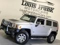Hummer H3  Boulder Gray Metallic photo #4