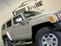 Hummer H3  Boulder Gray Metallic photo #22
