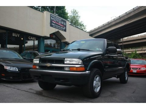 Forest Green Metallic 2002 Chevrolet S10 LS Crew Cab 4x4