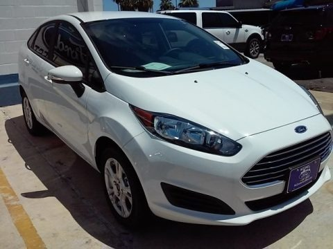 Oxford White 2016 Ford Fiesta SE Sedan