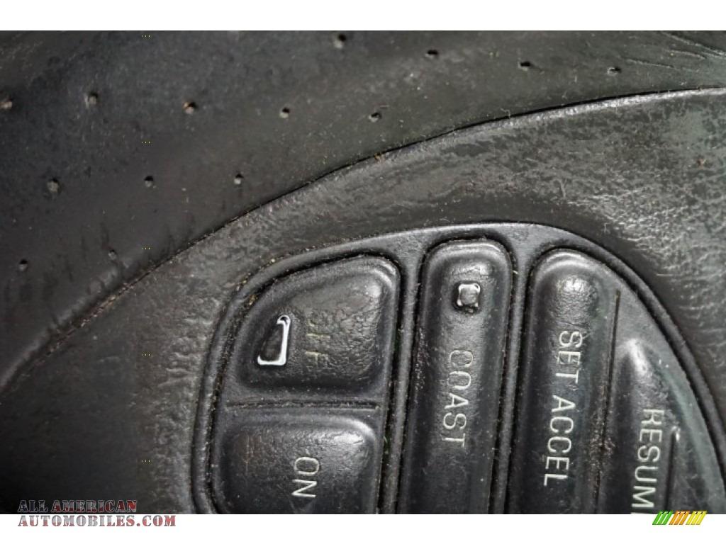 2003 Marauder  - Black / Dark Charcoal photo #32