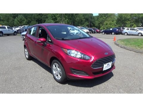 Ruby Red Metallic 2016 Ford Fiesta SE Hatchback
