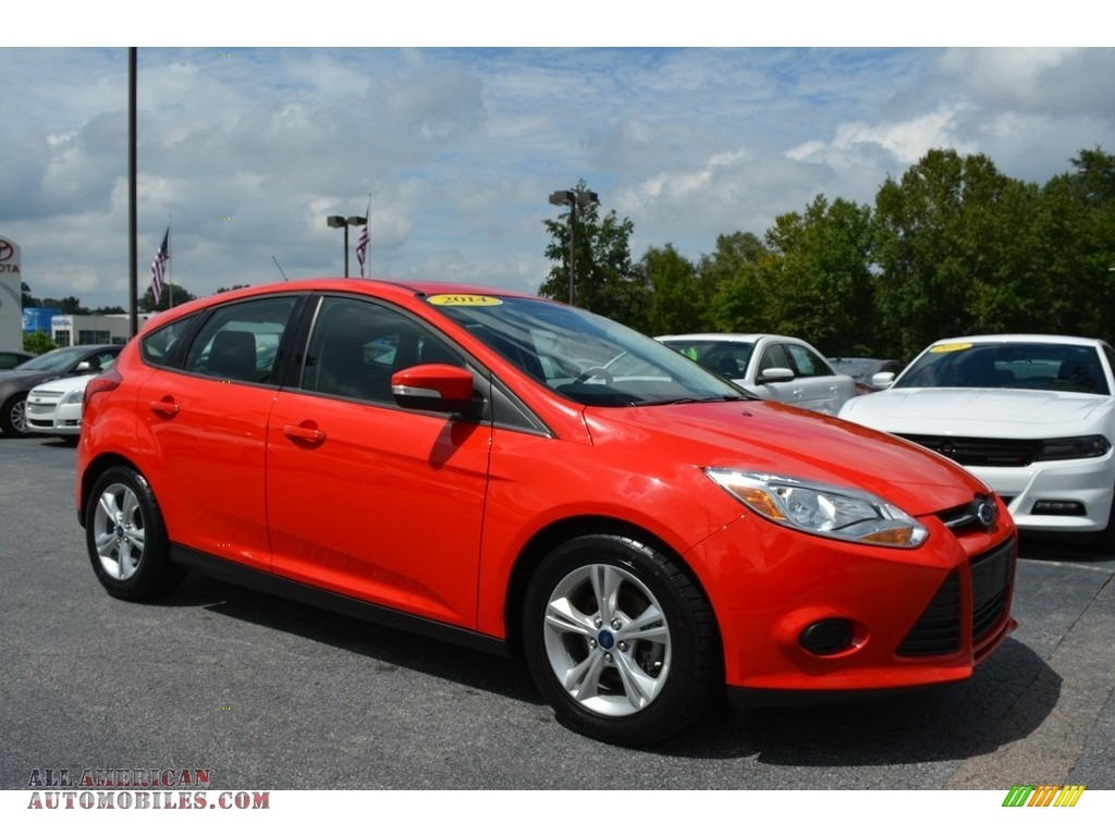 2014 ford focus se hatchback in race red 300963 all american automobiles buy american cars. Black Bedroom Furniture Sets. Home Design Ideas