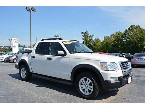 White Suede 2008 Ford Explorer Sport Trac XLT