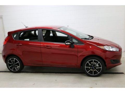 Ruby Red Metallic 2016 Ford Fiesta SE Hatchback