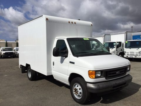 Oxford White 2006 Ford E Series Cutaway E350 Commercial Moving Van