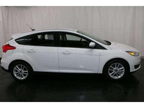 Oxford White 2017 Ford Focus SE Hatch