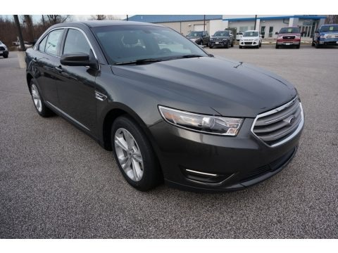 Magnetic 2017 Ford Taurus SEL
