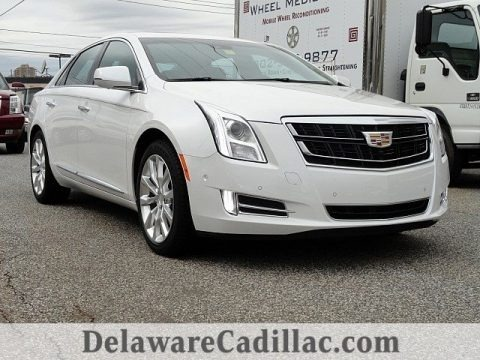 Crystal White Tricoat 2017 Cadillac XTS Luxury