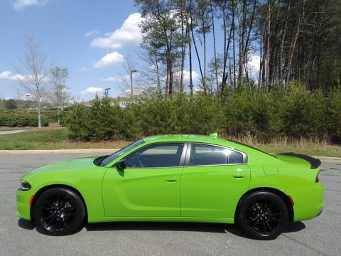 Green Go 2017 Dodge Charger SXT