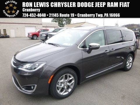 Granite Crystal Metallic 2017 Chrysler Pacifica Limited