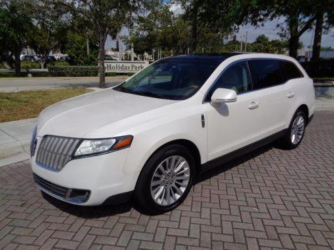 White Platinum Metallic Tri-Coat 2010 Lincoln MKT FWD
