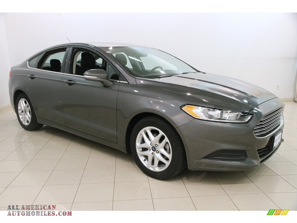 Magnetic Metallic / Charcoal Black Ford Fusion SE