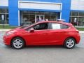 Chevrolet Cruze LT Red Hot photo #2