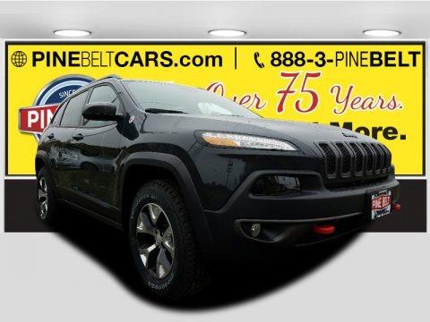Diamond Black Crystal Pearl 2017 Jeep Cherokee Trailhawk 4x4
