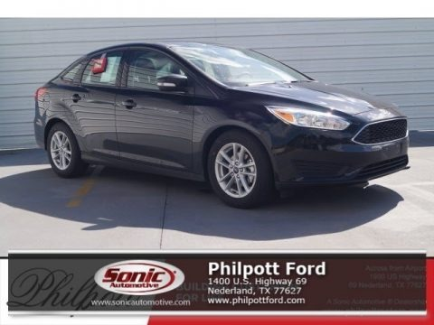 Shadow Black 2017 Ford Focus SE Sedan