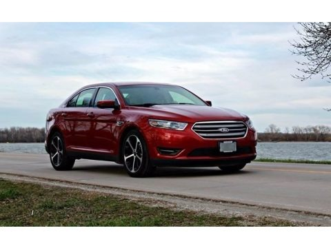 Ruby Red Metallic 2015 Ford Taurus SEL