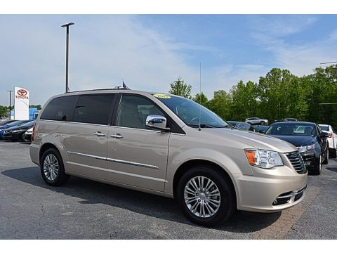Cashmere Pearl 2013 Chrysler Town & Country Touring - L