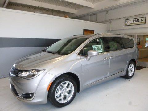 Billet Silver Metallic 2017 Chrysler Pacifica Touring L Plus
