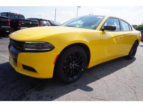 Yellow Jacket 2017 Dodge Charger SE