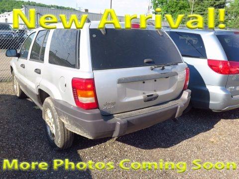 Bright Silver Metallic 2004 Jeep Grand Cherokee Laredo 4x4
