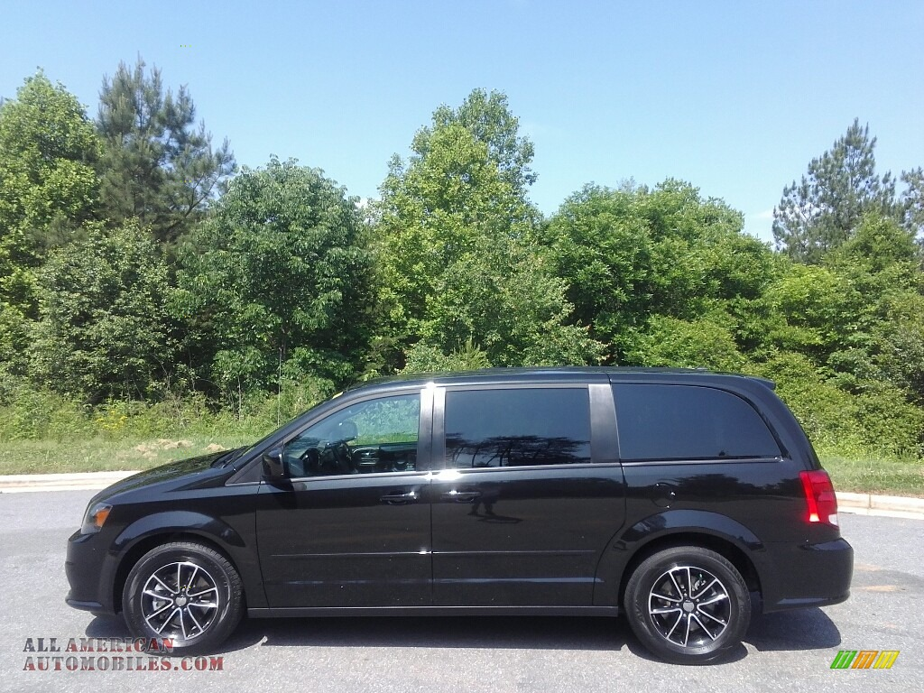2016 dodge grand caravan r t in brilliant black crystal for Steve white motors inc
