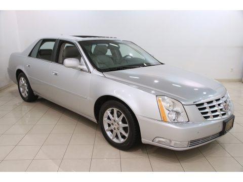 Radiant Silver Metallic 2011 Cadillac DTS Luxury