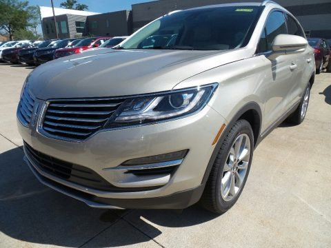 White Platinum 2017 Lincoln MKC Select AWD