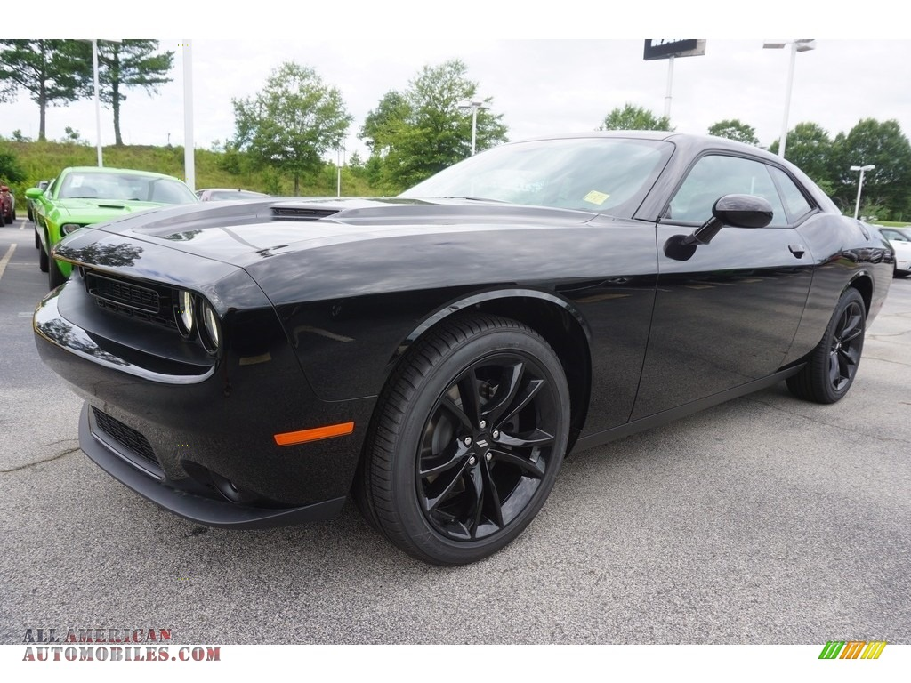 2017 Dodge Challenger SXT in Pitch Black - 613790 | All ...