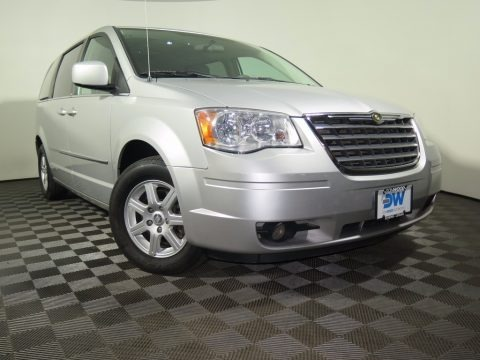 Bright Silver Metallic 2010 Chrysler Town & Country Touring