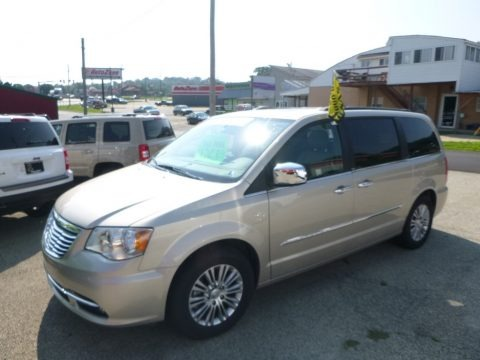 White Gold 2013 Chrysler Town & Country Touring - L