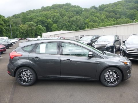 Stealth Gray 2017 Ford Focus SEL Hatch