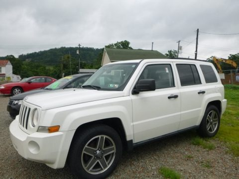 Stone White 2009 Jeep Patriot Sport 4x4
