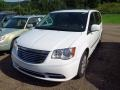 Chrysler Town & Country Touring Bright White photo #3
