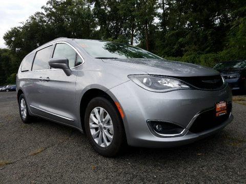 Billet Silver Metallic 2017 Chrysler Pacifica Touring L