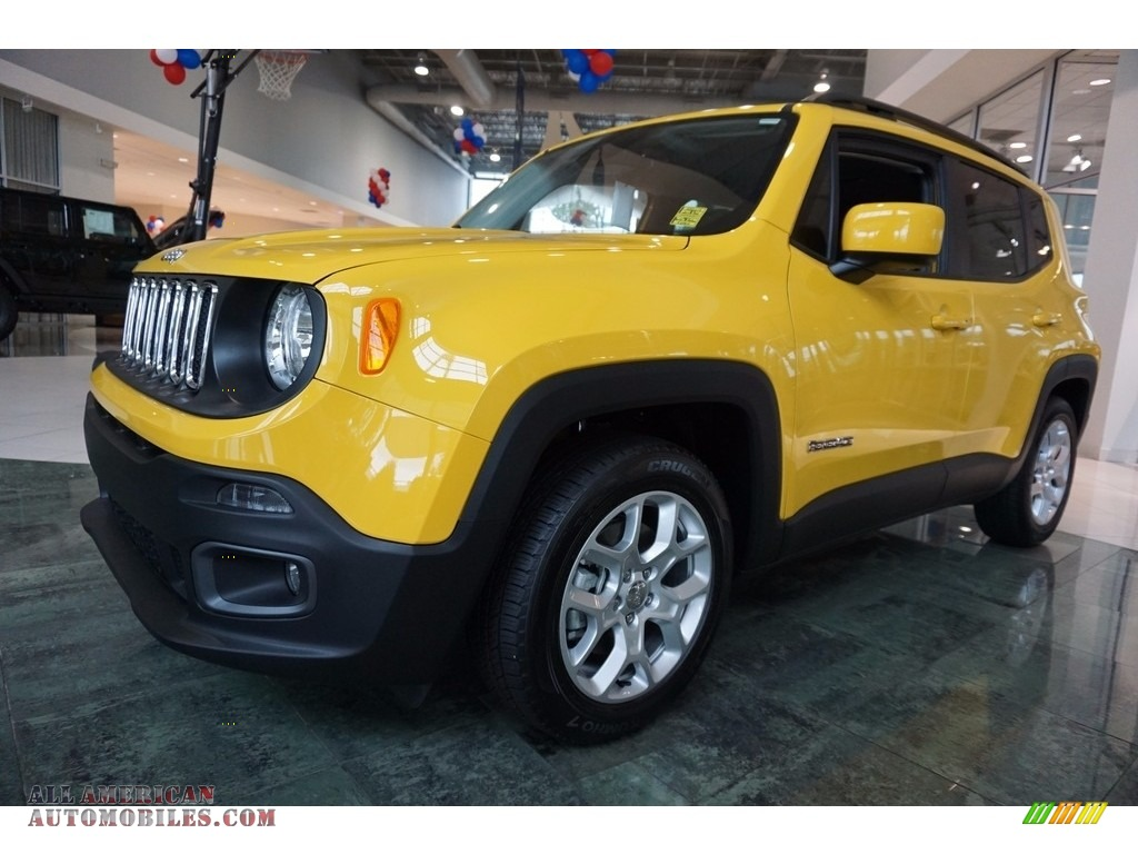2017 jeep renegade latitude in solar yellow f27914 all for Steve white motors inc