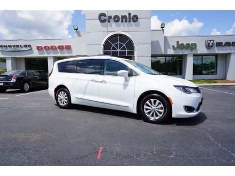 Bright White 2017 Chrysler Pacifica Touring L