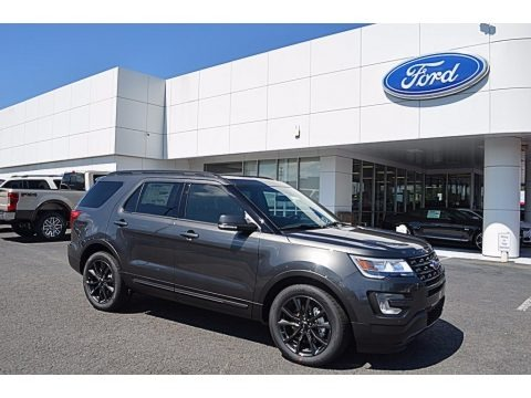 Magnetic 2017 Ford Explorer XLT