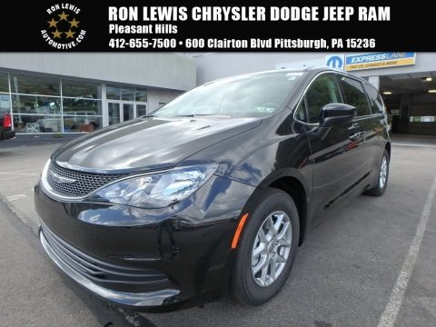 Brilliant Black Crystal Pearl 2018 Chrysler Pacifica LX