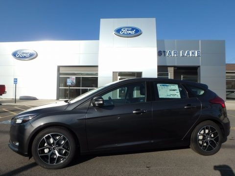 Magnetic 2017 Ford Focus SEL Hatch