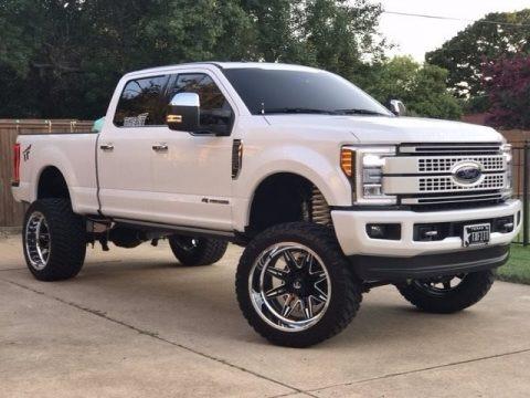 White Platinum 2017 Ford F250 Super Duty Platinum Crew Cab 4x4