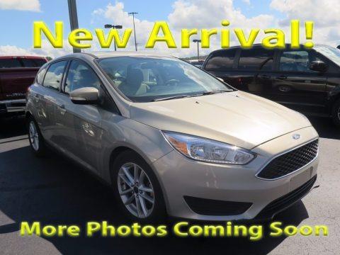 Ingot Silver 2016 Ford Focus SE Hatch